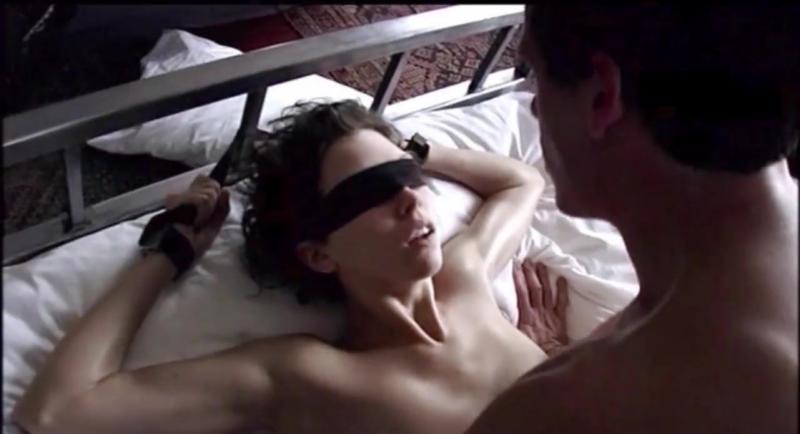 Tener sexo con los ojos vendados